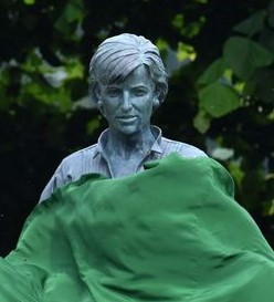 Ed 'Stewpot' Stewart statue unveiled in place of Diana one
